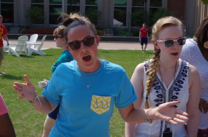 Juniors Emily Slee and Maeve Nash of Pitch Black sings at the Aug. 27 Club Fair. Photo by Spenser Hickey