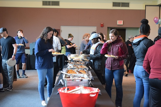 OWU students enjoyed food prepared by AVI.
